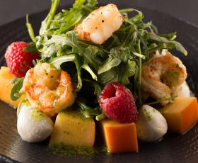 Праздничный ужин: Изысканные морепродукты и Два вина