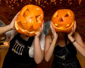 Семейная вечеринка на Хеллоуин